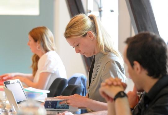 Aktuelle Projekte und Publikationen werden regelmäßig im Promotionskolleg der NRW School of Governance vorgestellt und diskutiert.