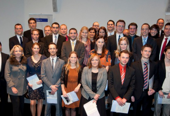 Absolventen des Master-Studiengangs Politikmanagement, public policy und öffentliche Verwaltung