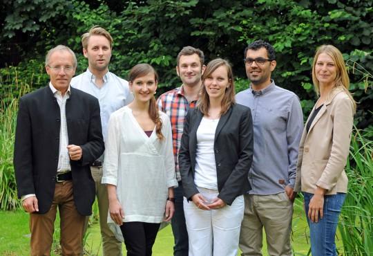 Karl-Rudolf Korte mit Stipendiaten des Promotionskollegs
