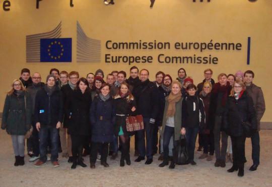 """Die rund 30 Studierenden im ersten Semester des Master Studiengangs """"Politikmanagement"""" erkundeten Brüssel entlang des inhahtlichen Schwerpunkts """"Lobbyismus""""."""