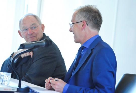 Karl-Rudolf Korte, Direktor der NRW School of Governance, im Gespräch mit Dr. Wolfgang Schäuble
