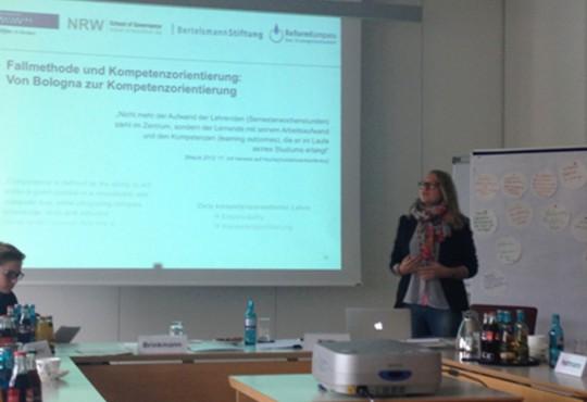 Hat Erfahrung im Einsatz von Föllen in der Lehre: Karina Hohl, Wissenschaftliche Mitarbeiterin an der NRW School of Governance