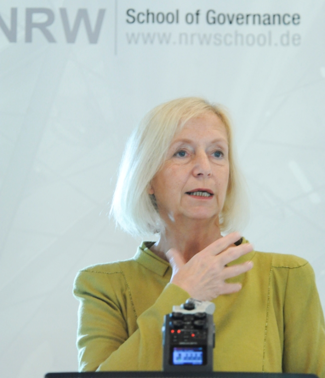 Die Bundesministerin für Bildung und Forschung, Johanna Wanka, war am 17. Juni Gast an der NRW School of Governance