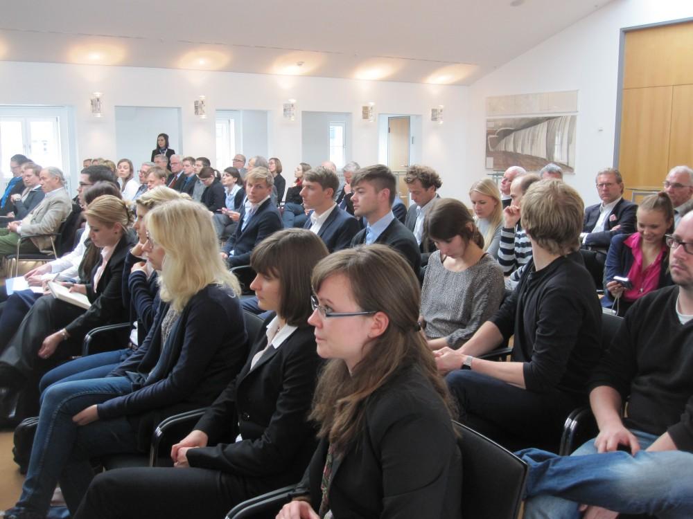 Großer Andrang: Zahlreiche Zuschauer fanden sich in den Räumlichkeiten der Alfred Herrhausen Gesellschaft in Berlin ein.