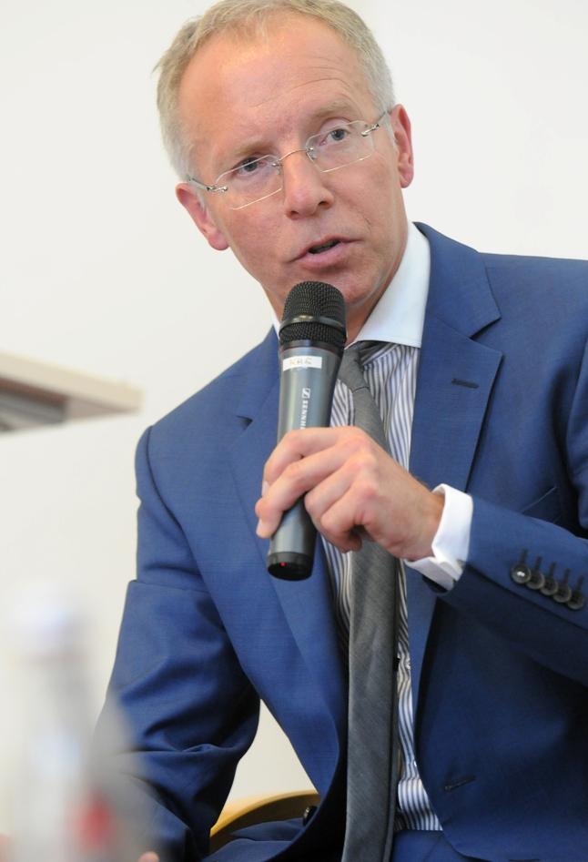 Prof. Dr. Karl-Rudolf Korte im Gespräch für die ZDF-Sendung
