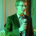 Morten Pieper nimmt den Preis für soziales Engagement entgegen