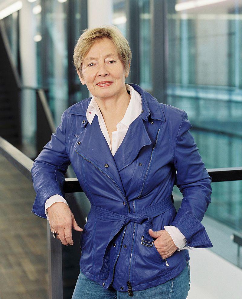 Dr. Christine Bergmann übernimmt die Gastprofessur für Politikmanagement der Stiftung Mercator an der NRW School of Governance im WS 15/16.