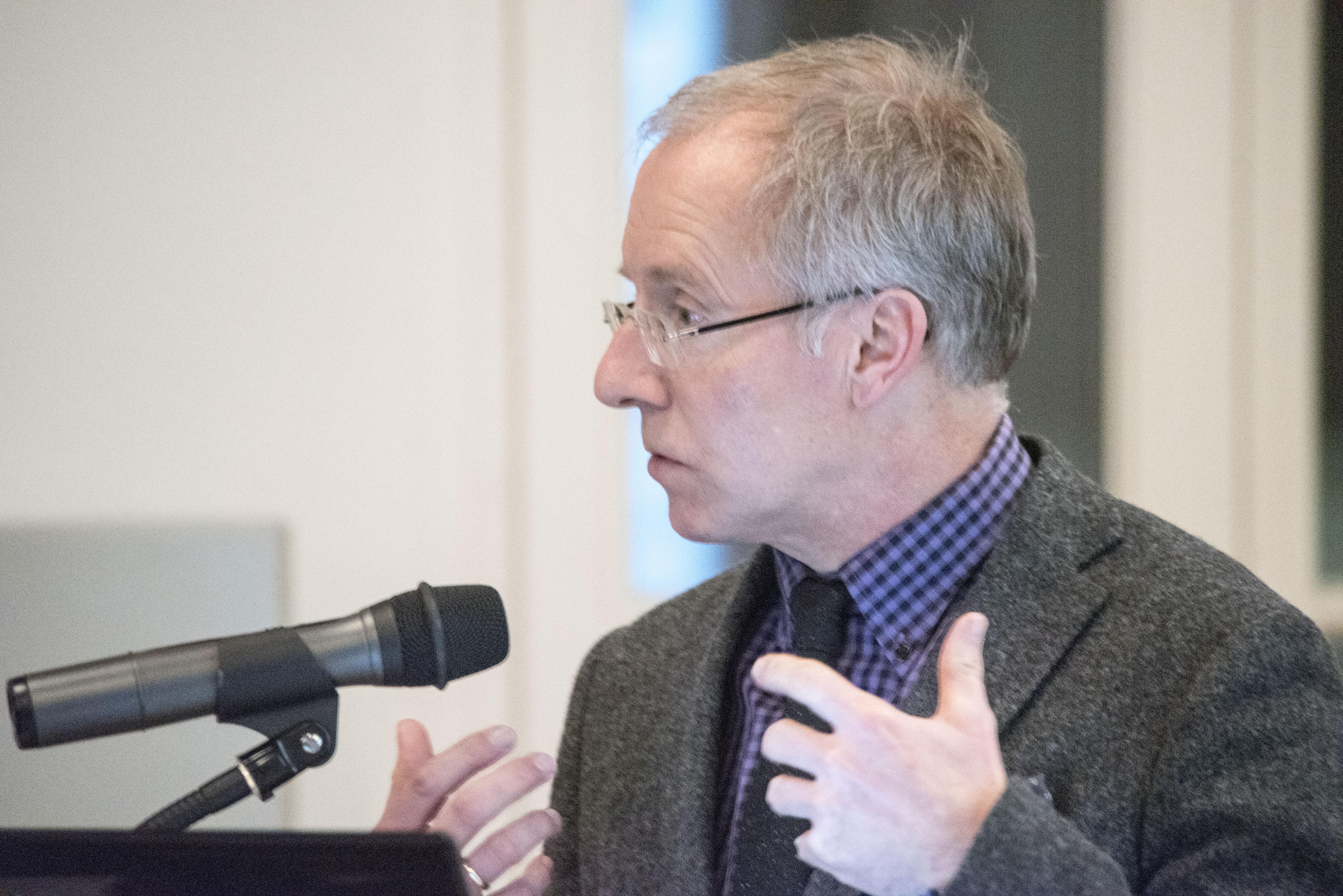 Karl-Rudolf Korte spricht im DFL über den Einfluss der AfD