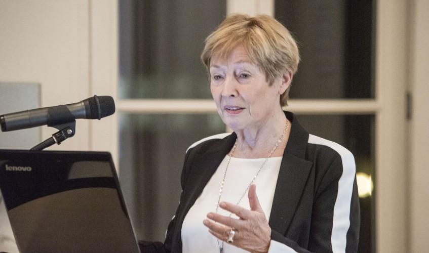 """""""Ein Tabu wird gebrochen - sexualisierte Gewalt an Kindern"""" lautete der Titel der öffentlichen Vorlesung von Dr. Christine Bergmann."""