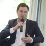 Medienwissenschaftler Prof. Matthias Degen plädierte für eine Kommunikation auf Augenhöhe und forderte die Medien dazu auf, neue Formate, wie Snapchat, auszuprobieren.