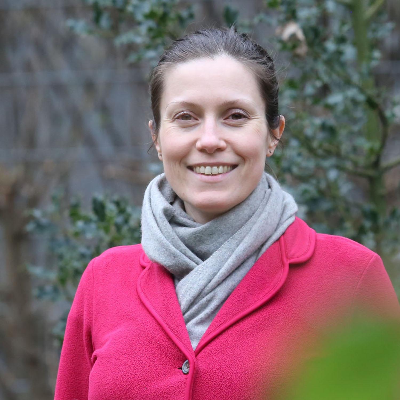 Dr. Isabelle Borucki